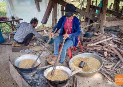 Smashing and cooking the dried rice